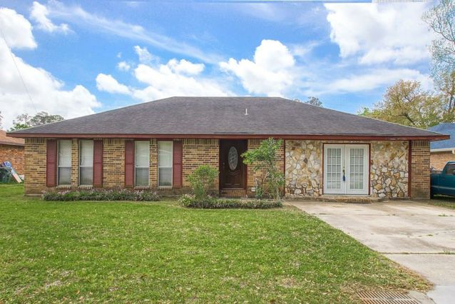 1723 W HALL Avenue Slidell, LA 70460