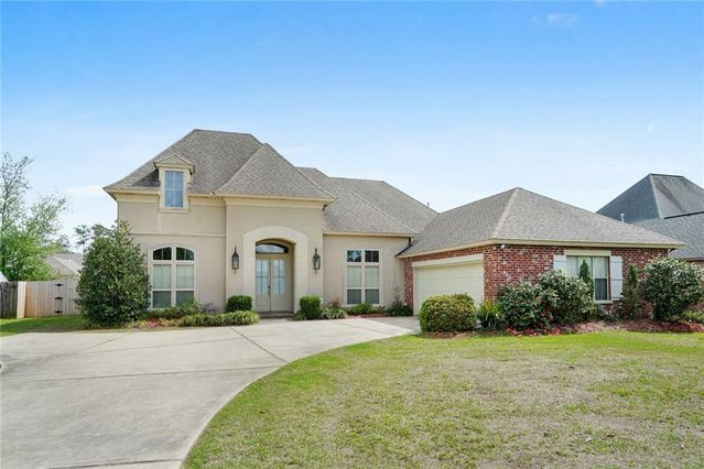 532 CLAYTON Court Slidell, LA 70461