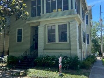 5240 PITT Street New Orleans, LA 70115
