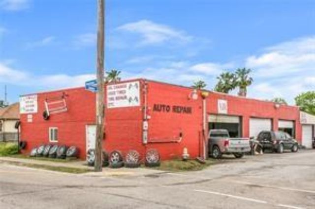 4101 DOWNMAN Road New Orleans, LA 70127