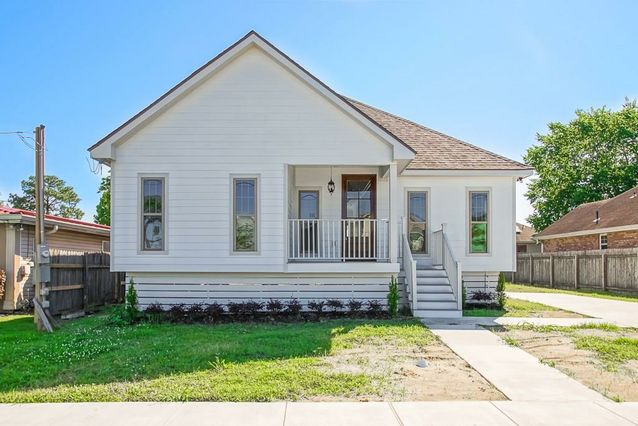 4927 PIETY Drive New Orleans, LA 70126