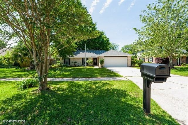 112 EVEREST Drive Slidell, LA 70458