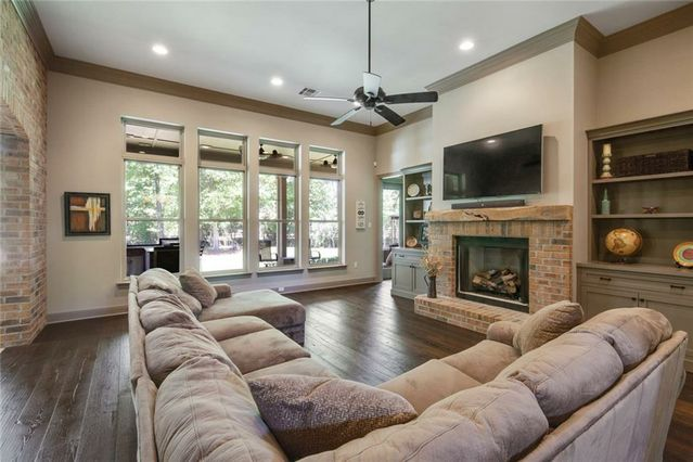 10 OAK GROVE Way - Photo 3