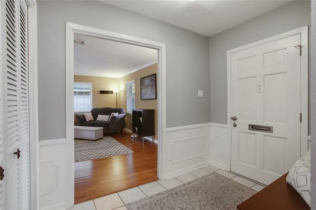 8 OSBORNE Avenue - Photo 2