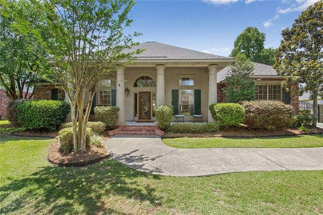 383 RED MAPLE Drive Mandeville, LA 70448