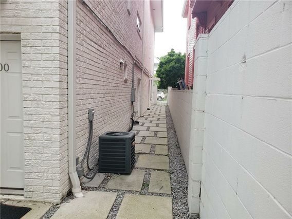 4217 PRYTANIA Street #301 - Photo 3
