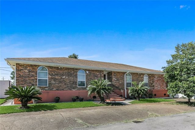 4644 ST MARY Street Metairie, LA 70006
