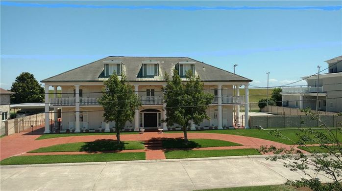 4507 FOLSE Drive Metairie, LA 70006