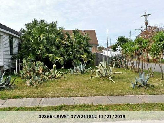 2090 LAW Street New Orleans, LA 70119