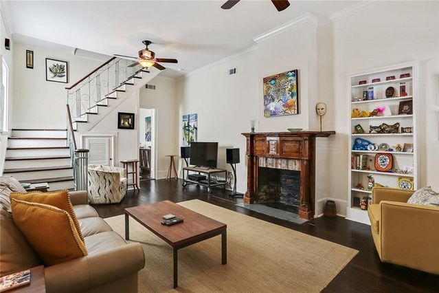 2429-31 CHARTRES Street - Photo 3
