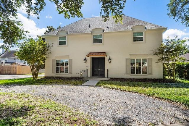 4200 CLEVELAND Place Metairie, LA 70003