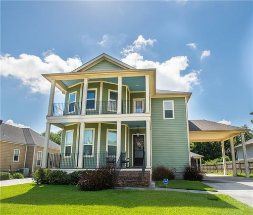 16 SEAWARD Court New Orleans, LA 70131