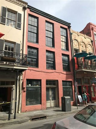 305 CHARTRES Street - Photo 2
