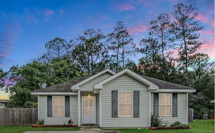 117 E CHERRYWOOD Lane Pearl River, LA 70452