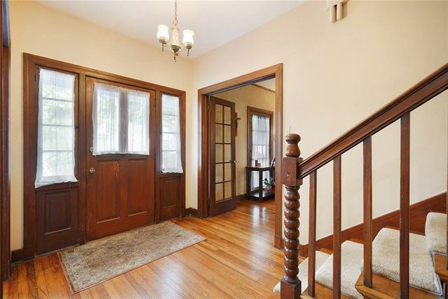 18 FOREST Avenue - Photo 3