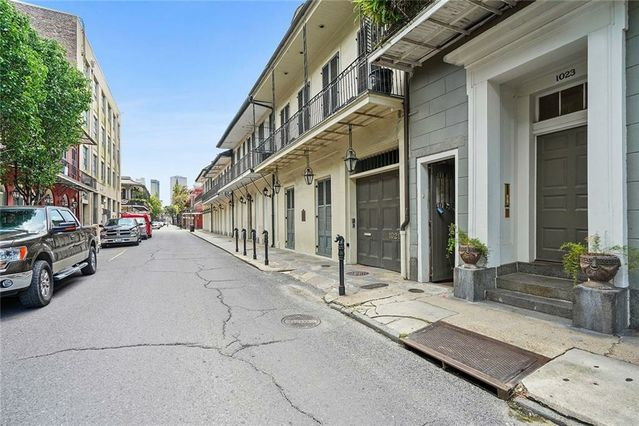 1023 CHARTRES Street #2 - Photo 3