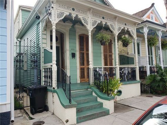 823 MANDEVILLE Street New Orleans, LA 70117