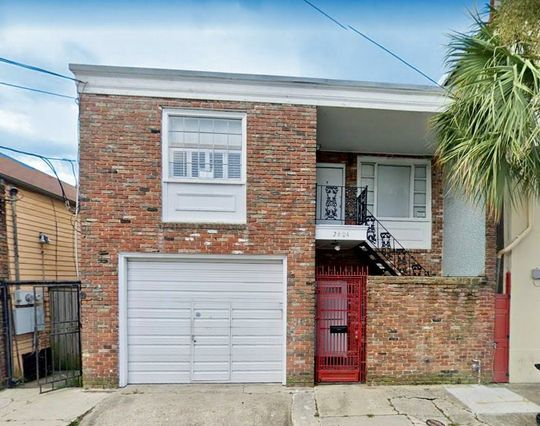 2604 CHARTRES Street New Orleans, LA 70117