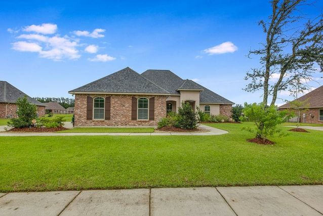 414 SAW GRASS Loop Covington, LA 70435