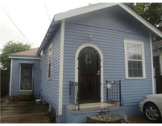 4109 HOLLYGROVE Street New Orleans, LA 70118
