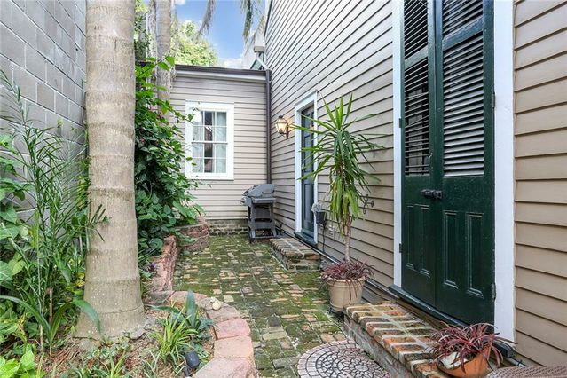 1312 CHARTRES Street #1312 - Photo 2