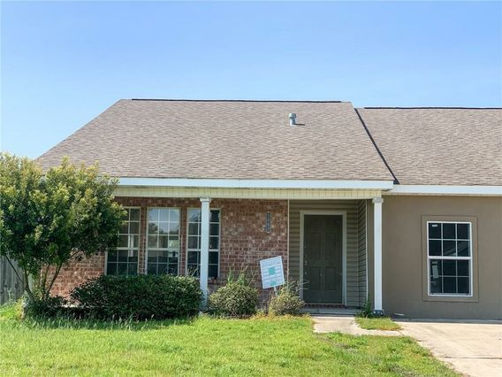 1061 CLAIRISE Court Slidell, LA 70461