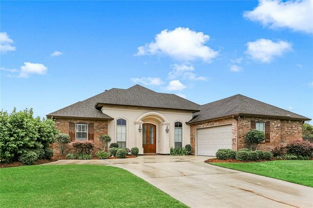 751 SPRING THYME Drive Belle Chasse, LA 70037