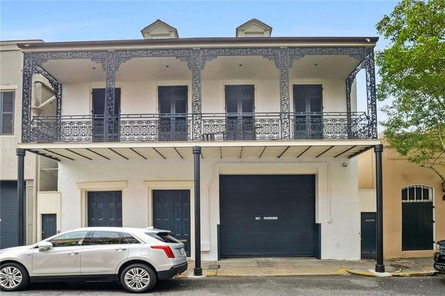 926-40 CHARTRES Street - Photo 3
