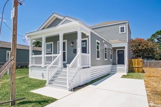 2032 INDEPENDENCE Street New Orleans, LA 70117