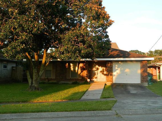 2917 LEMON Street Metairie, LA 70006