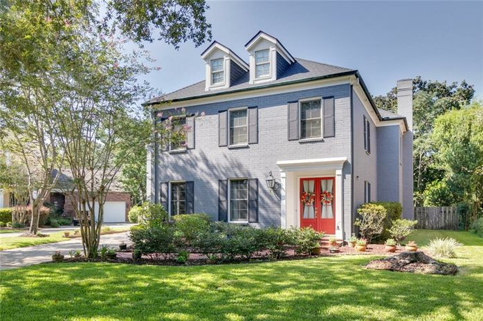 14 MUIRFIELD Place New Orleans, LA 70131