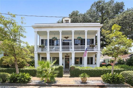 705 PELICAN Avenue New Orleans, LA 70114