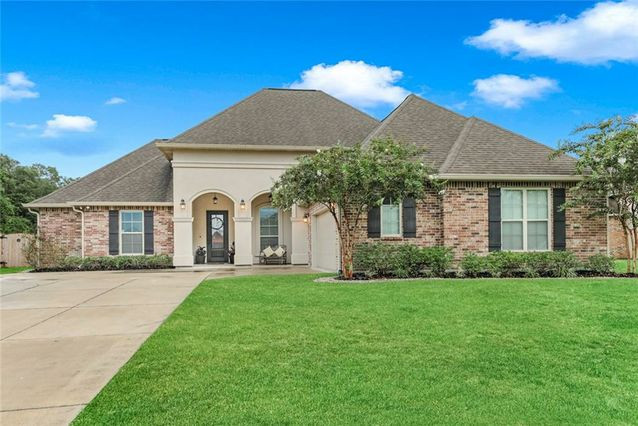 533 STRAWBERRY Lane Madisonville, LA 70447