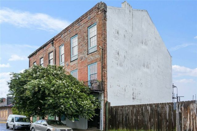 2707 CHARTRES Street #8 New Orleans, LA 70117
