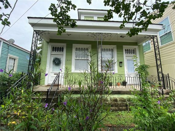 814 JOSEPH Street New Orleans, LA 70118