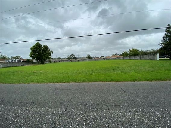 FAWNWOOD Road Marrero, LA 70072