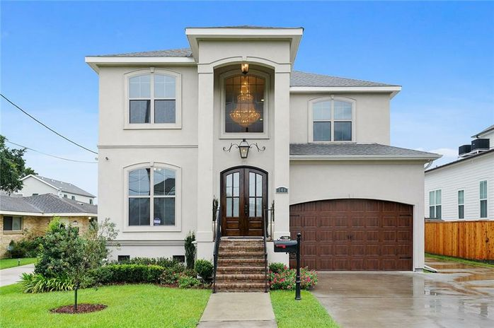 748 ROBERT E LEE Boulevard New Orleans, LA 70124