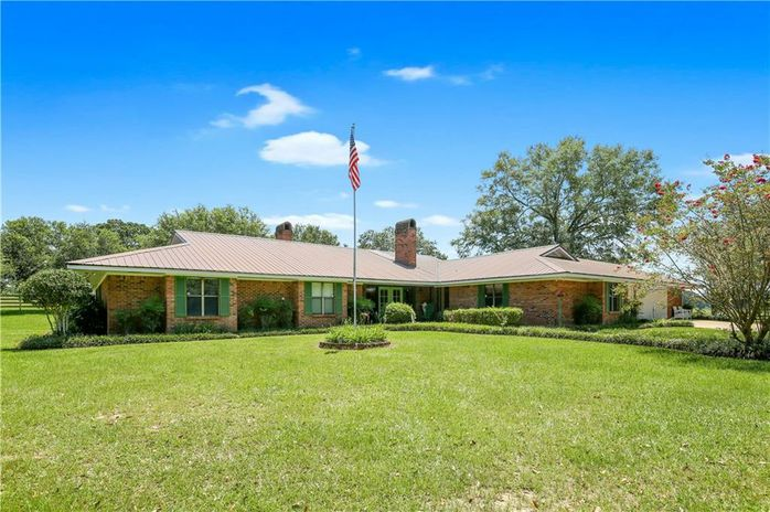 20210 VERBERNE Road Kentwood, LA 70444
