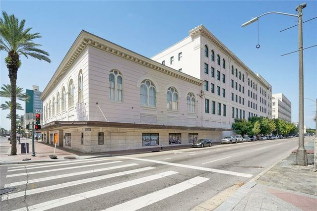 1201 CANAL Street #262 New Orleans, LA 70112