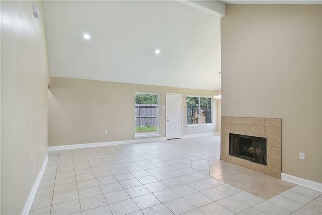 7646 FOUNDERS Court - Photo 2