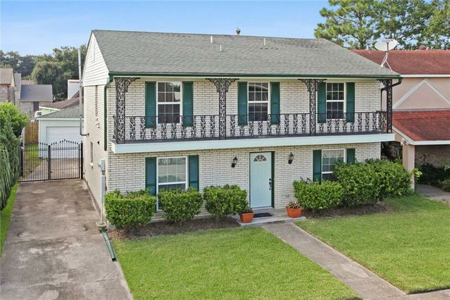 8211 ABERDEEN Road New Orleans, LA 70126