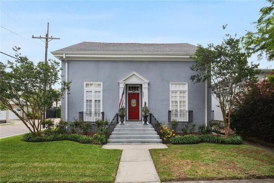 4037 VINCENNES Place New Orleans, LA 70125