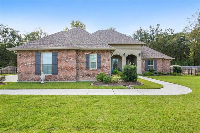 331 SAW GRASS Loop Covington, LA 70435