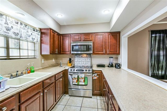5100 LAKEVIEW Court - Photo 3