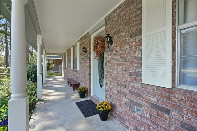 253 ROBINHOOD Drive - Photo 3