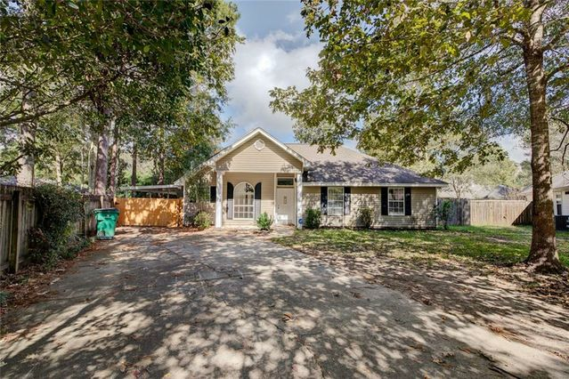 2342 DOE Court Mandeville, LA 70448