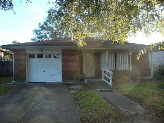 21 HOLY CROSS Place Kenner, LA 70065