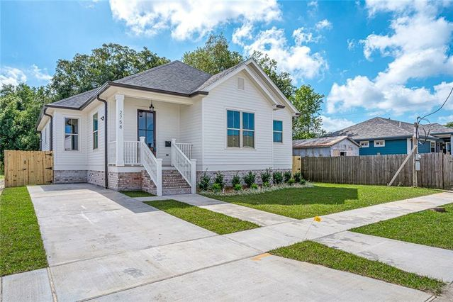 2758 MADRID Street New Orleans, LA 70122