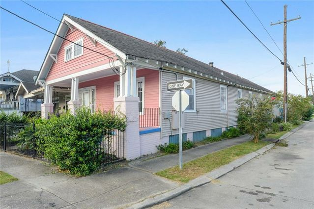 3132 GENERAL TAYLOR Street - Photo 2
