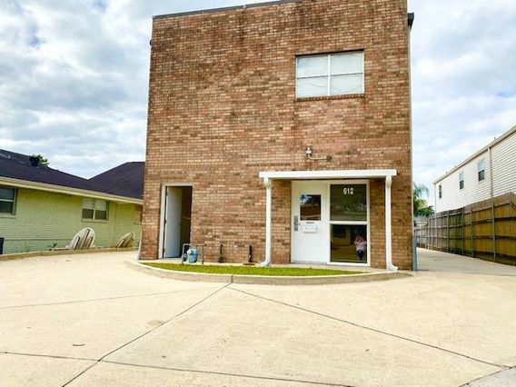 612 CLEARVIEW Parkway Metairie, LA 70001